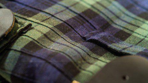 Gürtelschlaufe in Muster integriert